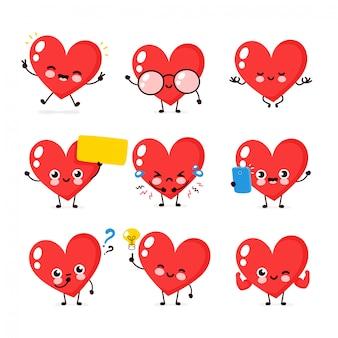かわいい幸せな笑顔の心文字セットのコレクション。ハートキャラクターコンセプト