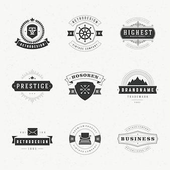 Ретро старинные этикетки или логотипы набор векторных элементов дизайна