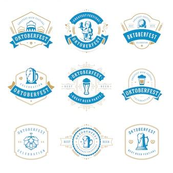 オクトーバーフェストのお祝いビール祭りのラベル、バッジおよびロゴセット
