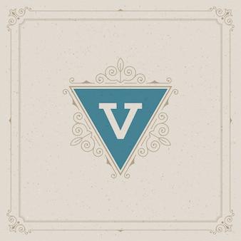 ヴィンテージのロゴがエレガントに飾ります
