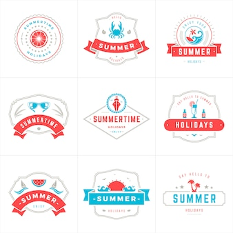 Летние каникулы этикетки и значки типография вектор дизайн