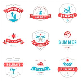 夏休みラベルとバッジのタイポグラフィベクトルデザイン