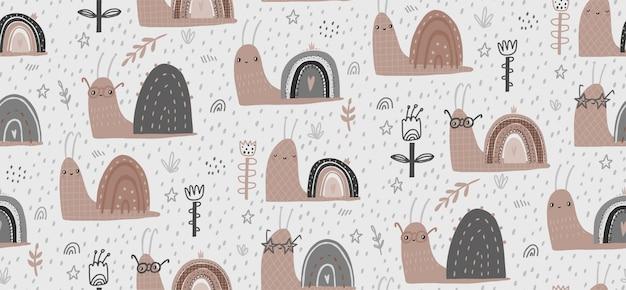 手描きのかわいいカタツムリと赤ちゃんベクトルのシームレスなパターン図。スカンジナビアスタイルのフラットなデザイン。壁紙、布のデザイン、テキスタイル、ラッピング、壁紙のコンセプト。