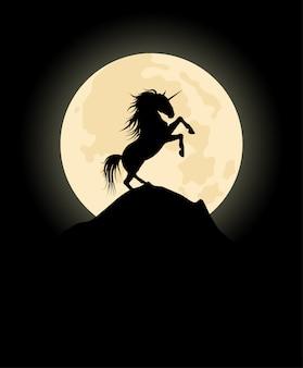 月の背景にユニコーンのベクトルシルエット