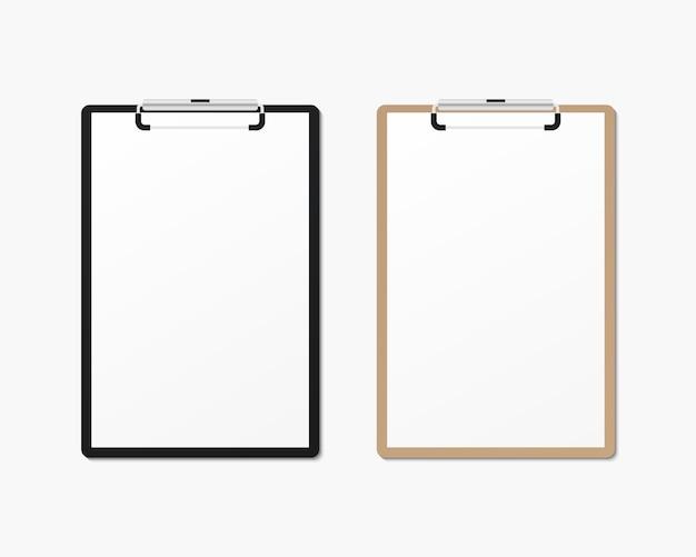 空白の紙で現実的なクリップボード