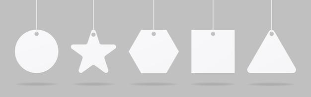 現実的な価格タグまたはギフトタグ。白紙の価格ラベルモックアップセット。モックアップベクトルが分離されました。テンプレートデザイン。リアル。
