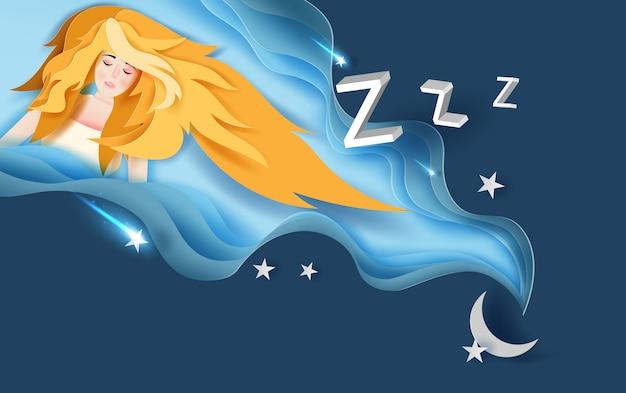 Девушка с длинными желтыми волосами носит сладкий сон
