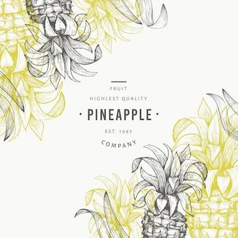 パイナップルと熱帯の葉のデザインテンプレート。手描きベクトルトロピカルフルーツイラスト。刻まれたスタイルのアナナスの果実