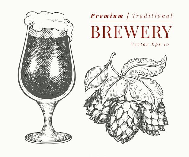 ビールのグラスとホップのイラスト。手描きのパブ飲料イラスト。刻まれたスタイル。レトロな醸造所のイラスト。
