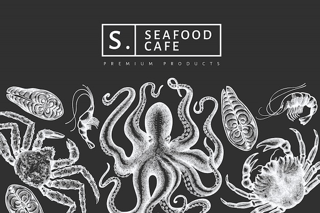 Дизайн морепродуктов. нарисованная рукой иллюстрация морепродуктов на доске мела. выгравированный стиль еды баннер. ретро морские животные фон