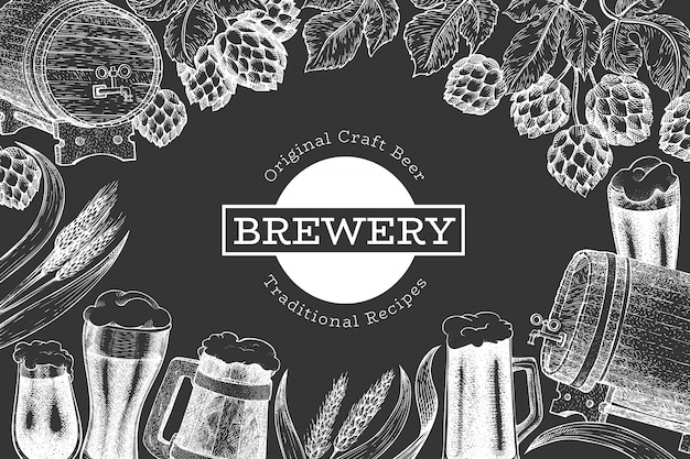 Шаблон пива и хмеля. нарисованная рукой иллюстрация винзавода на доске мела. выгравированный стиль. ретро пивоваренная иллюстрация.