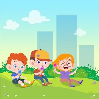 子供たちは公園のベクトル図でアイスクリームを遊ぶ