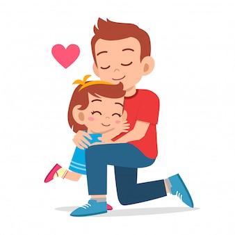 お父さんの愛を抱いて幸せなかわいい女の子