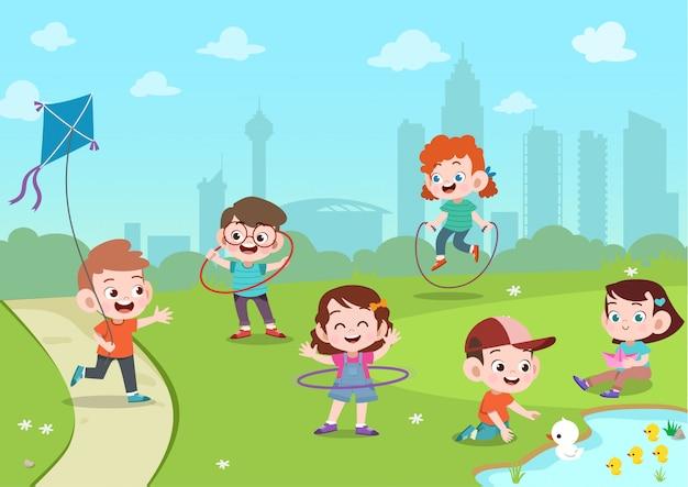 子供たちが公園で遊ぶ