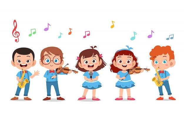 学校の聖歌隊で歌っている子供たちの漫画グループ