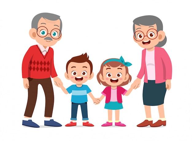 Счастливые дети с бабушкой и дедушкой