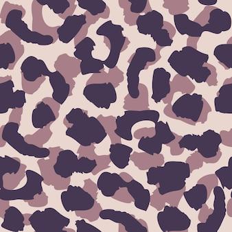 抽象的なヒョウ肌のシームレスなパターン。紫と黒の色合いが繰り返されます。動物の毛皮の壁紙