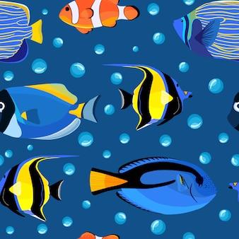 抽象的な海中シームレスパターン。泡と水中の魚。