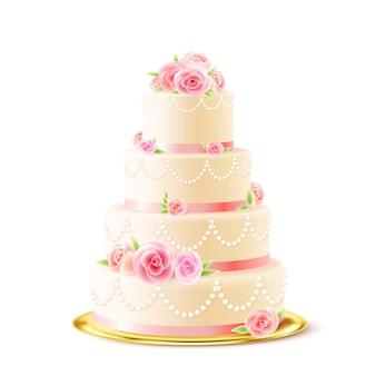 現実的なバラと古典的なウエディングケーキ