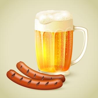 Светлое пиво и жареная колбаса