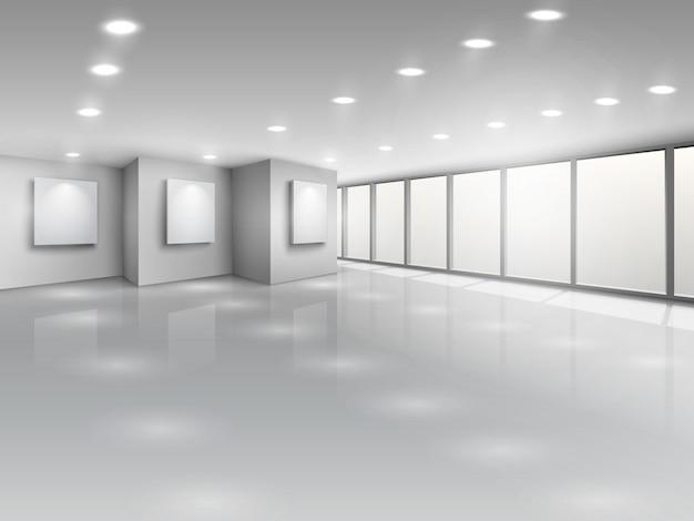 明るい窓と空のギャラリーのインテリア
