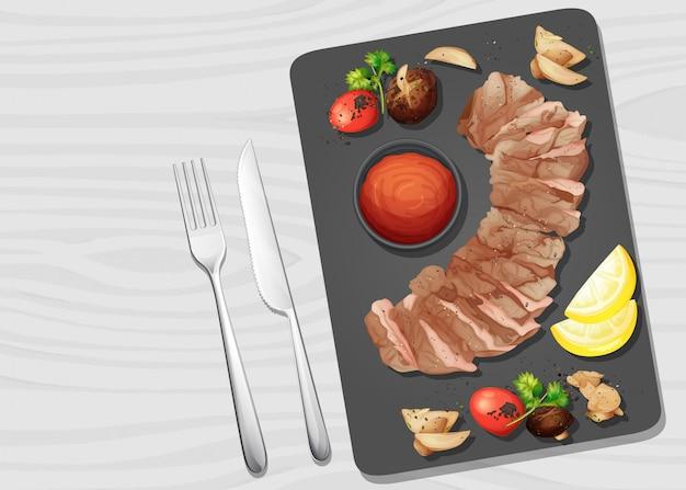 Стейк из говядины на тарелке