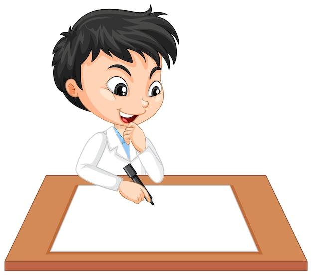 テーブルの上に空の紙で科学者のガウンを着ている少年