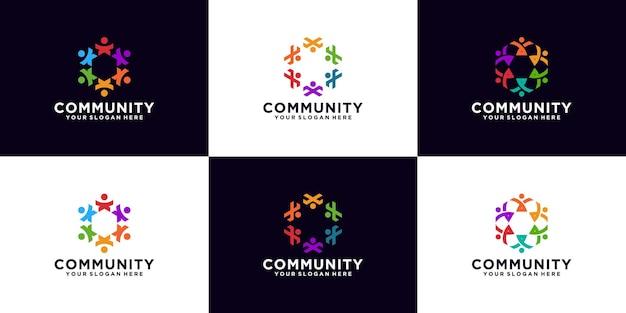 さまざまな色の人々のコミュニティロゴデザインのインスピレーションのコレクション