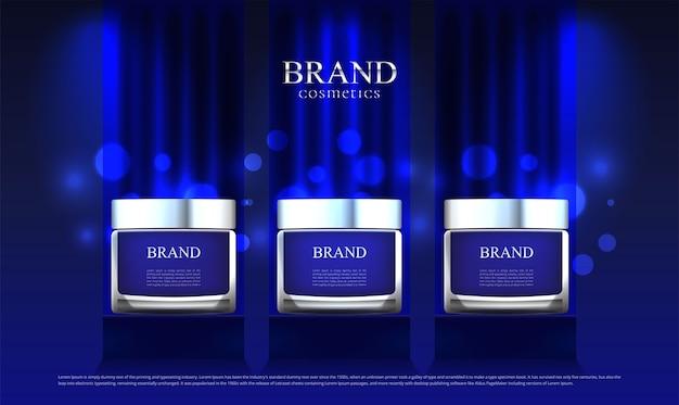 スタンドの青い布にセットされた化粧品の広告