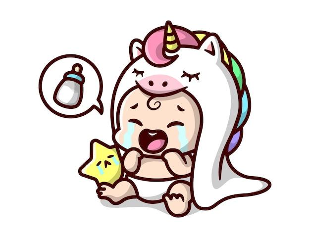 白いユニコーンコスチュームのかわいい赤ちゃんが泣いていて、ミルクの漫画のイラストを飲みたがっています