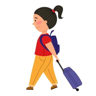 귀여운 소녀가 여행가방과 작은 배낭을 메고 비행기를 탄다
