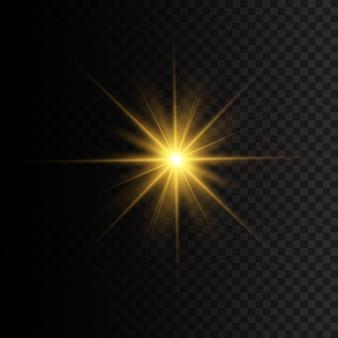광선 및 스포트 라이트와 함께 태양의 섬광. 노란색 빛나는 조명 스타. 별이 광채로 터졌습니다. 투명 배경에 고립 된 특수 효과입니다.