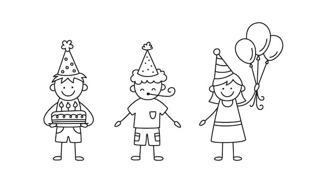 Группа детей на дне рождения. дети в праздничных шапках с тортом, воздушными шарами и воздуходувкой на празднике