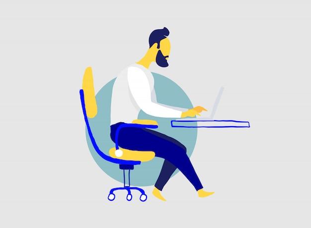 남자는 사무실에서 책상에 자신의 노트북과 함께 작동