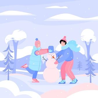 Счастливый мальчик и девочка лепят снеговика в лесу