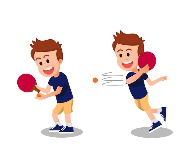 Счастливый мальчик играет в настольный теннис в двух позах