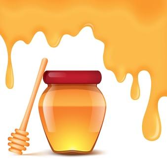 白い背景の上の蜂蜜と蜂蜜のスプーンの瓶。蜂蜜が滴る背景