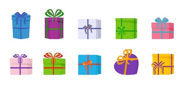 Большая куча красивых подарочных коробок на белом фоне. различные подарочные коробки с цветными бантами на праздник, день рождения сюрприз.