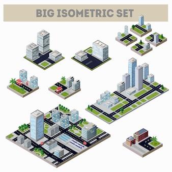 Большой набор изометрической карты города с множеством зданий, небоскребов, дорог и заводов.