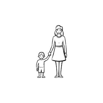 子供の手描きのアウトライン落書きアイコンを気にする母親。母性と家族のケアの概念ベクトルスケッチイラスト、印刷、ウェブ、モバイル、白い背景で隔離のインフォグラフィック。