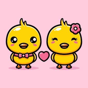 한 쌍의 귀여운 병아리가 서로 사랑에 빠지다