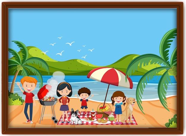 Фотография семейного пикника на пляже в рамке