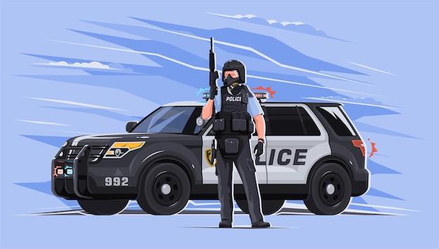 방탄복과 방독면에있는 경찰관은 밝은 배경에 백그라운드에서 자동차와 함께 그의 손에 무기를 들고 있습니다. 법과 질서의 수호자. 경찰은 대유행 중입니다.