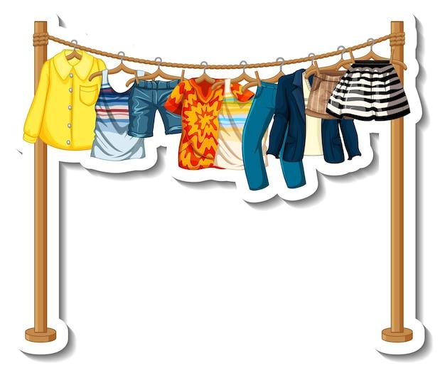 Шаблон стикера вешалки для одежды с большим количеством одежды на вешалках на белом фоне