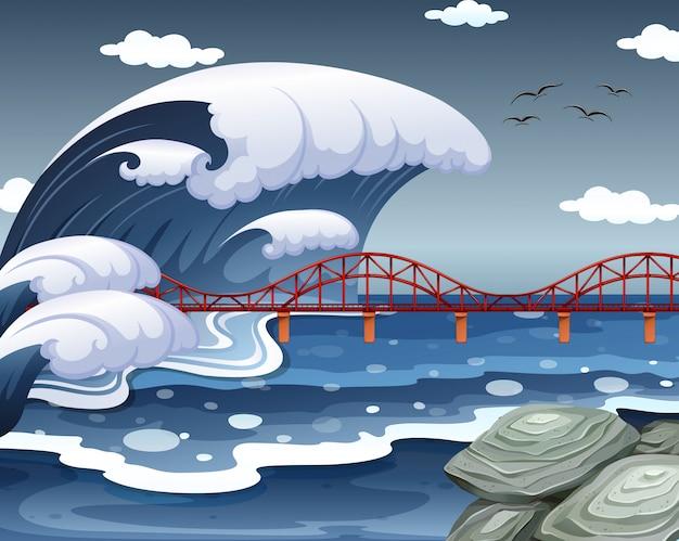 Цунами поразило океанский мост