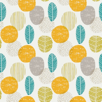 Abstract autumn seamless pattern with leaves