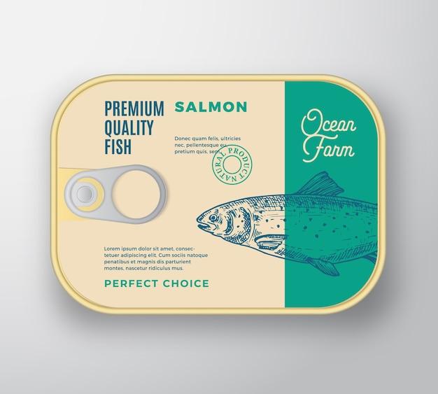 라벨 커버와 초록 물고기 알루미늄 용기. 레트로 프리미엄 통조림 포장.