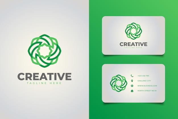 크리 에이 티브 미디어 또는 생태 회사에 적합한 녹색 그라데이션 개념의 선 스타일로 추상 기하학적 꽃 로고