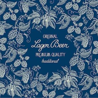 Blu organico disegnato a mano astratto con piante di erbe di luppolo di birra e testo in stile vintage