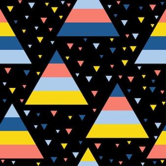 抽象的な手作りの三角形のシームレスなパターンの背景。デザインカード、壁紙、赤ちゃんのおむつ、休日の包装紙、織物、バッグプリント、おむつ、tシャツなどの幼稚な手作りの壁紙。